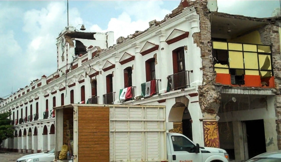 The 8.2 earthquake on Sept 7th severely damaged Juchitán's best-known landmarks, including the city's 19-century Municipal Palace and its famous market.