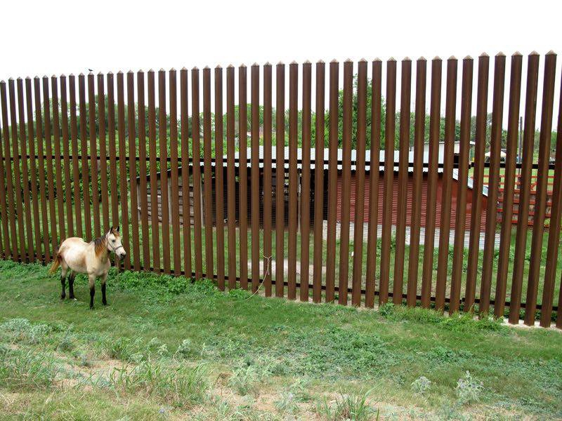 A Giant Border Wall Between The US And Mexico Here Are Five - Us border wall map north america map