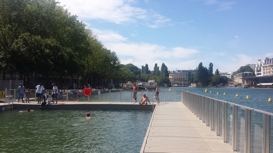 Another view of the floating swimming pools in the Bassin de la Villette