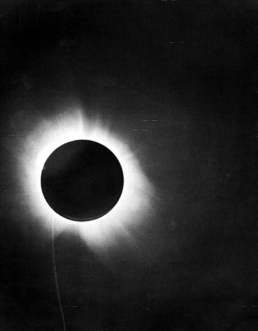 A photograph of the 1919 total solar eclipse.