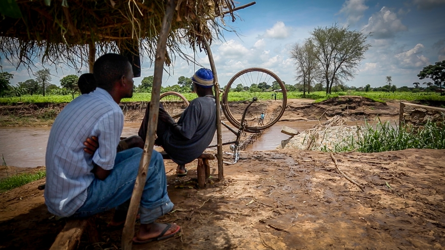 A flash flood in early January washed out bridges and spilled over the banks of the Thondwe River, displacing more than four thousand people inMakawa. A month later, the cluster of isolated villaged still hadn't received any assistance.