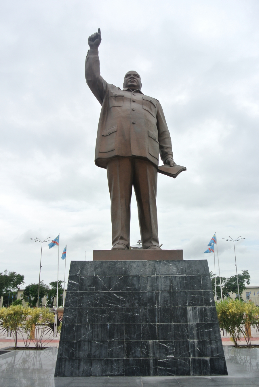 Many say this statue of Laurent Kabila in Kinshasa, DRC looks like he's wearing a suit from the Kim's tailor.