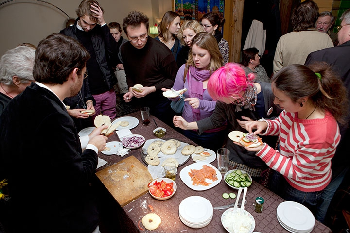 When Menachem Kaiser and friends held their first bagel party in Vilnius, the bagels disappeared in minutes.