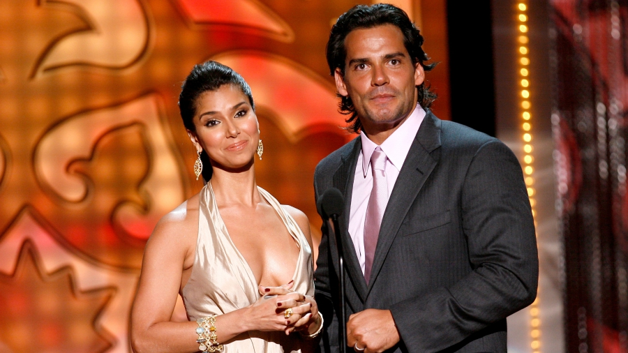 Actors Roselyn Sanchez and Cristian de la Fuente abandon Trump