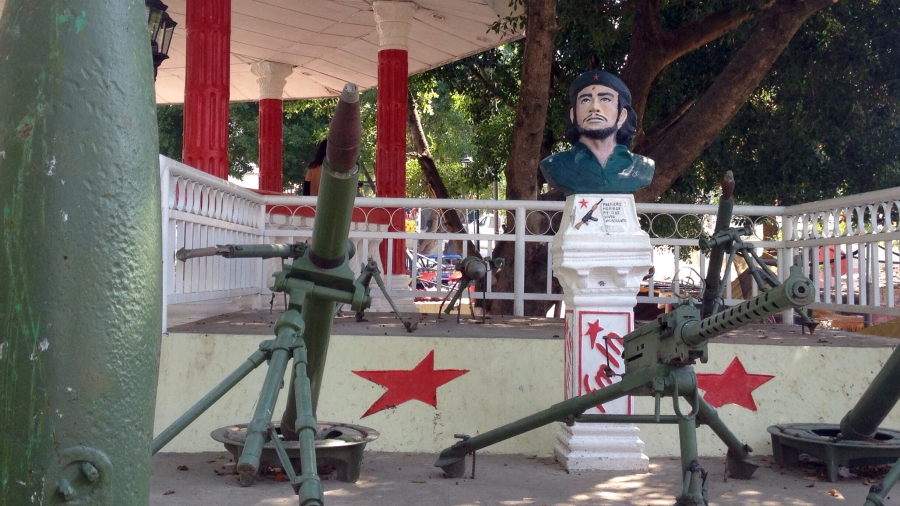 The main square in the town of San José de las Flores features old weaponry used by the guerrillas in the '80s.