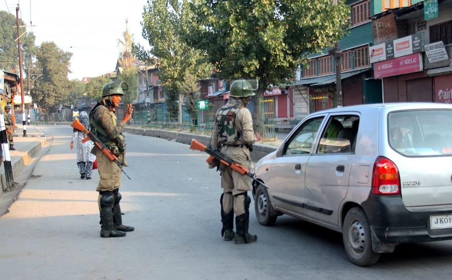 Curfew checkpoint Srinagar