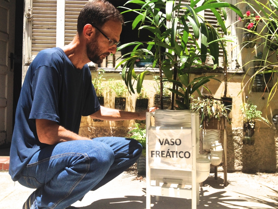 São Paulo resident Edison Urbano has turned his home into a teaching lab for conserving water amid the region's severe drought.