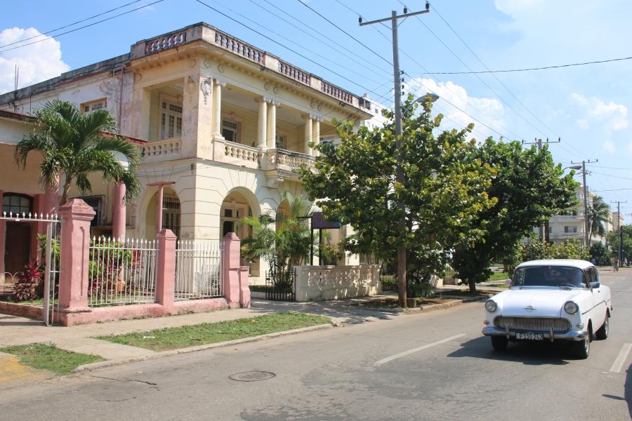 """Bella,"" a beauty cooperative in Havana, Cuba"