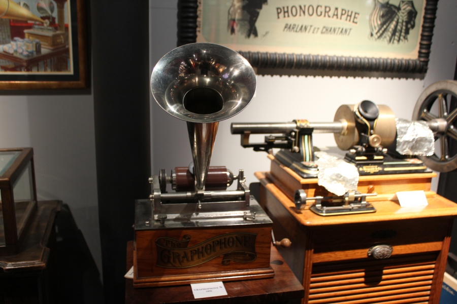 """A """"Graphophone"""" from 1896 manufactured by Alexander Graham Bell."""