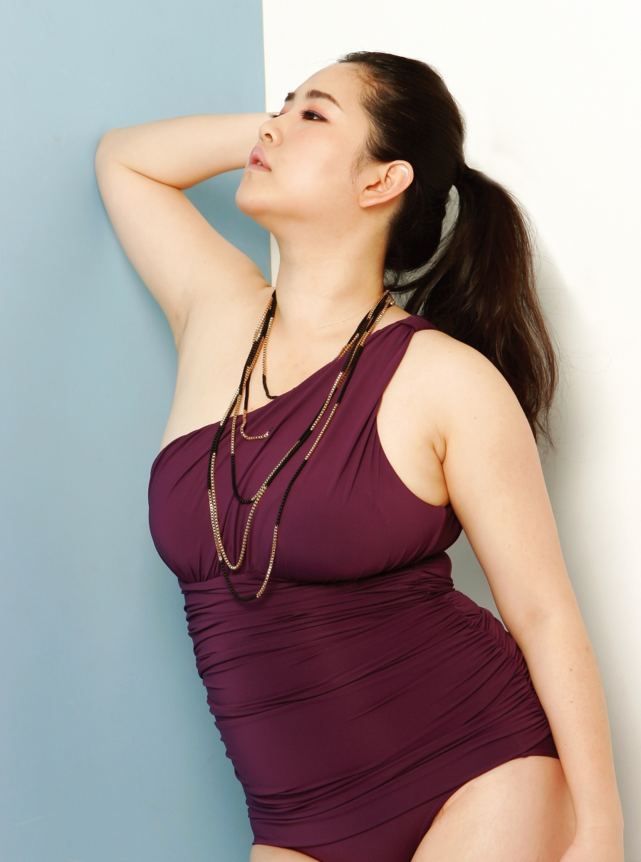 Meet south koreas first plus size model kim gee yang says korean women like her have a hard time finding clothes that ccuart Choice Image