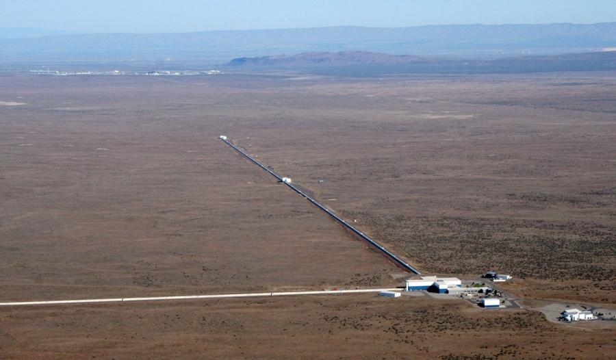 Aerial view of LIGO Hanford Observatory.
