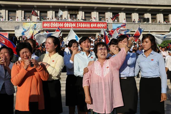 """North Koreans rally to express """"boiling and spreading"""" anger toward South Korea in October 2016, according to North Korean propaganda channels."""