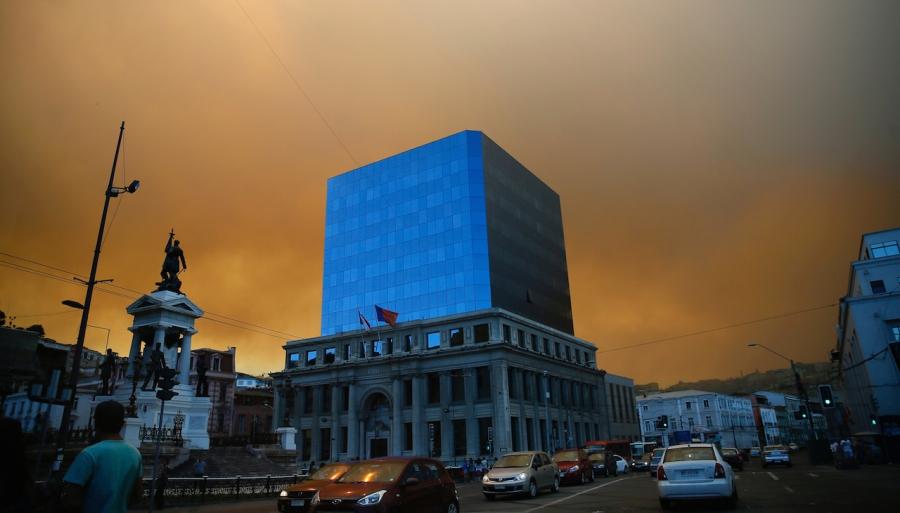 Valparaiso fires smoke Chile