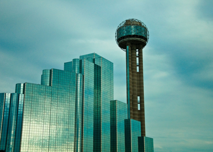 A view of Reunion Tower and Hyatt Regency Dallas in 2010.
