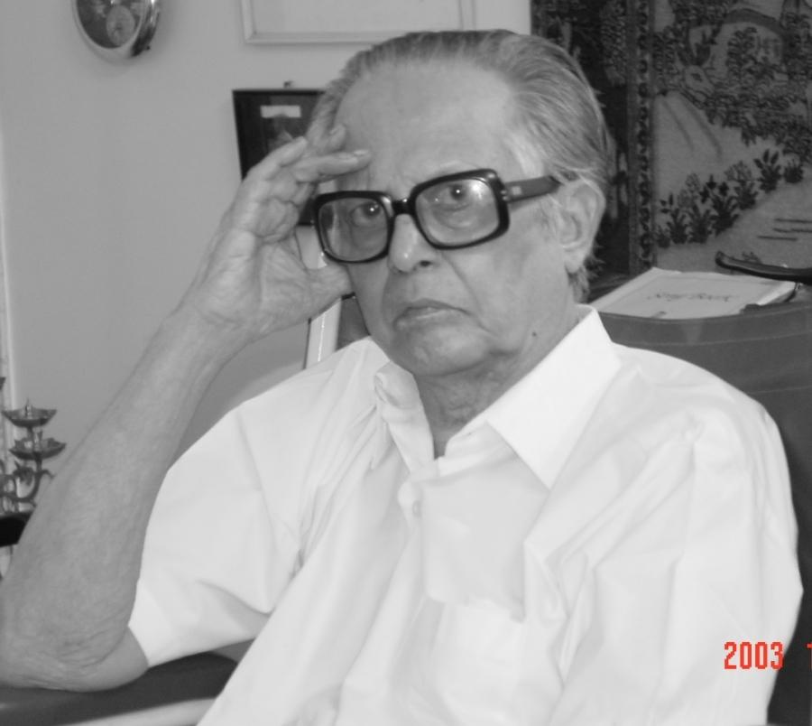 R.K. Laxman at his home in Mumbai, 2003.