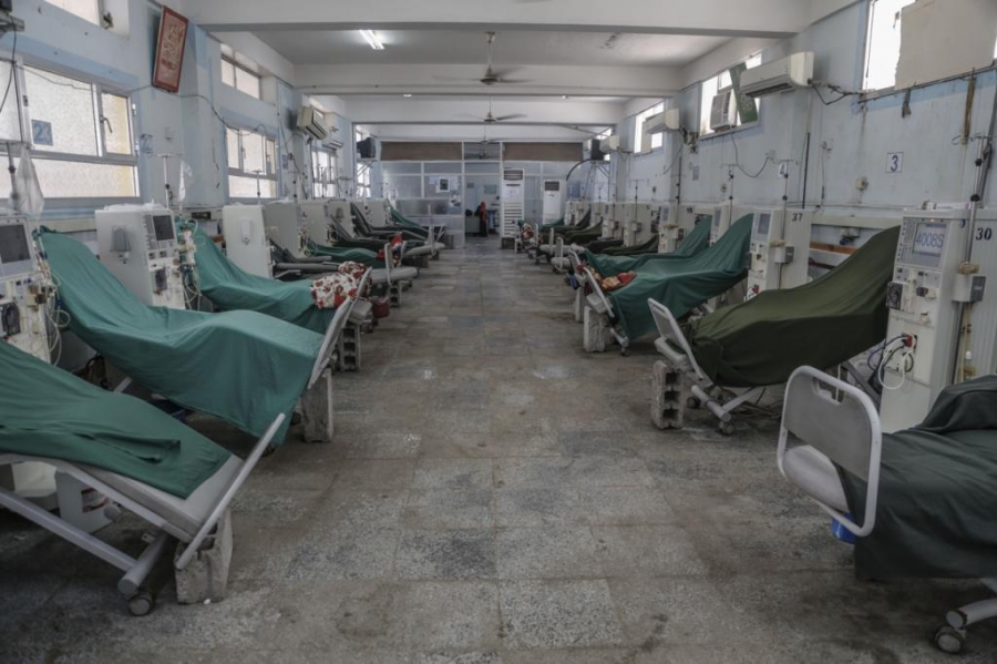 This is an empty dialysis room in Hudeidah. Normally, it would be busy. But more than 200 patients have had their treatment delayed because of complications related to the war.