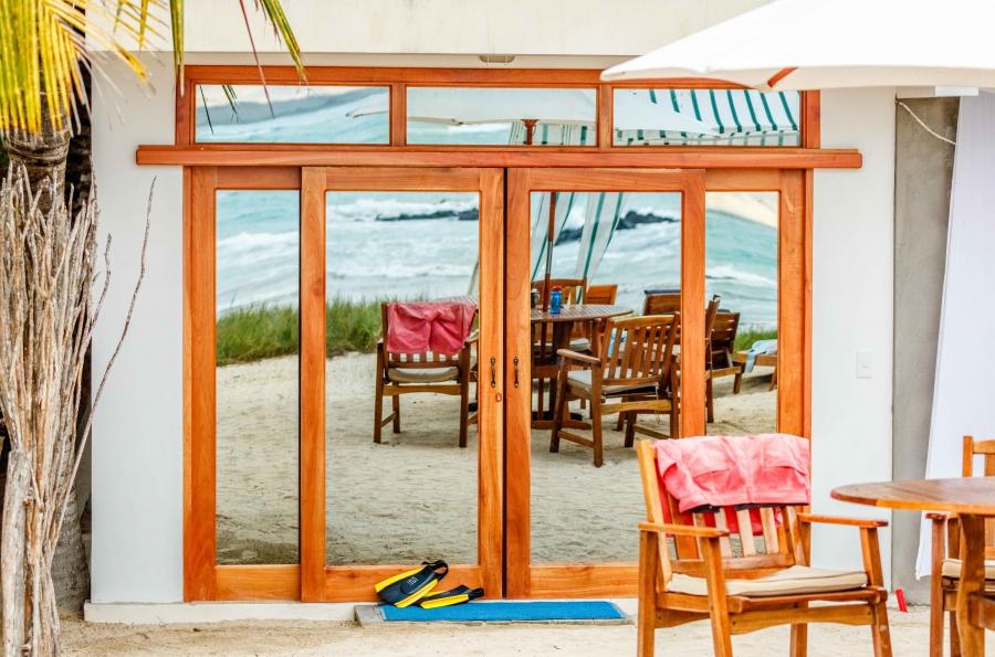 Isabela Beach House hotel