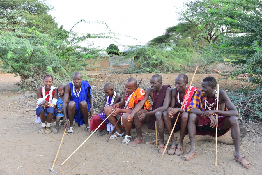 Ole Lelein Kanunga discusses female genital mutilation with members of his community