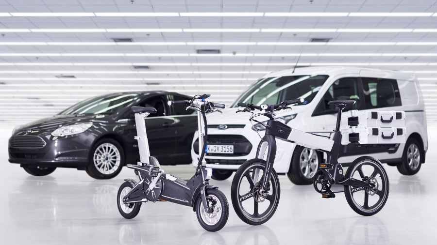 Ford's electronic bike will be able to fit into a car and be used to move around a city.
