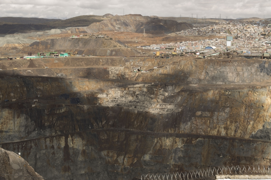 heavy metal mining in Peru