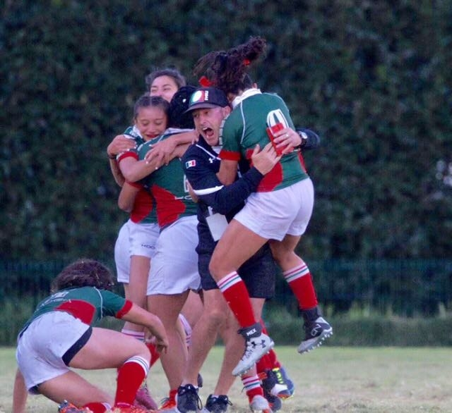 The Mexico women's rugby team celebrates.