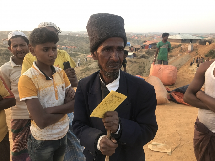 Mohammad Abbas and his family of seven had arrived in Balukhali two days earlier and had plans to work on a more permanent home, but their donated housing materials were stolen in the middle of the night.