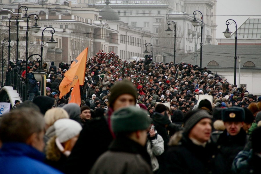Thousands of Russians protest allegations of mass fraud in the country's parlimentary elections in December 2011.