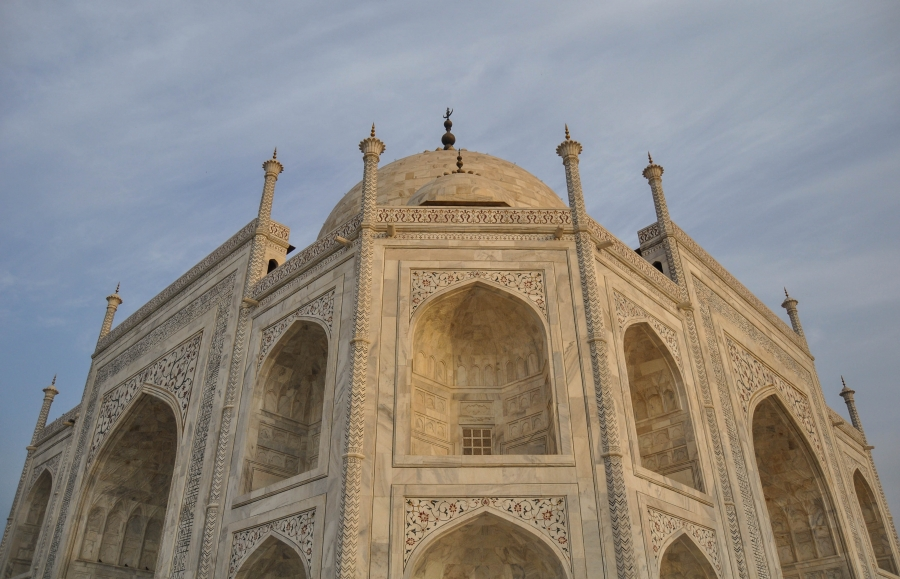 a tower of the taj mahal