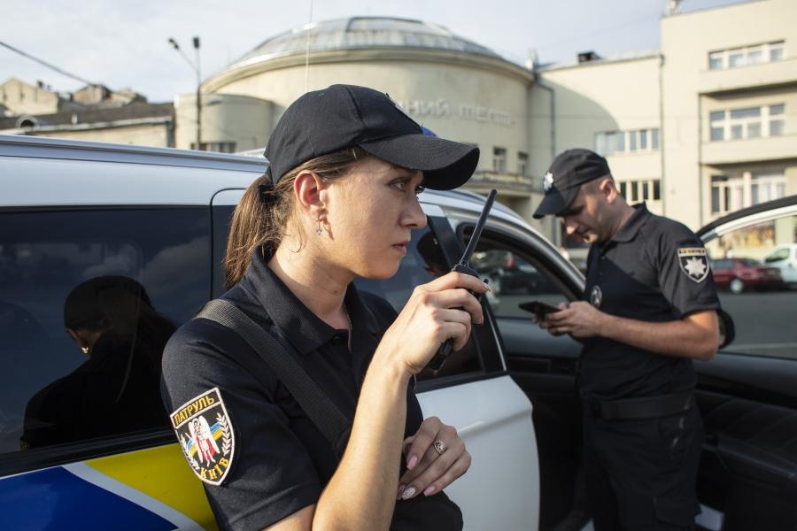 Ukraine women walking to work