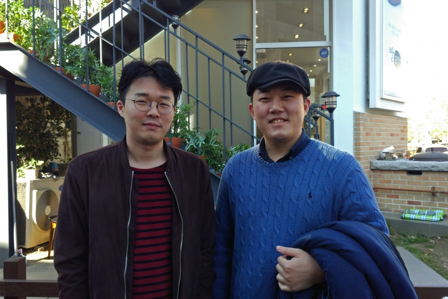 Park Yong-gu, 29, from Suwon (left) and Jung Won-jong, 28