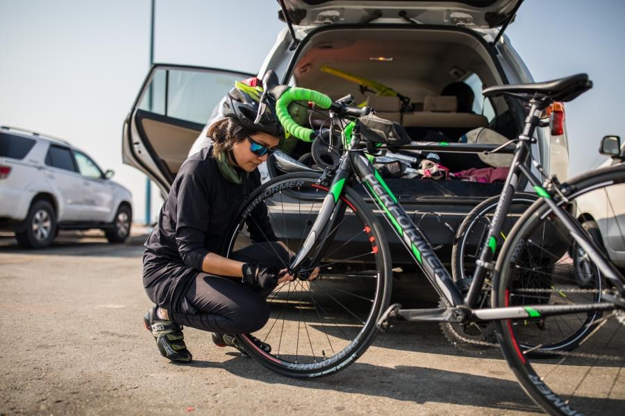 Doaa Naeem gets ready to ride her bike in Jeddah, Saudi Arabia.