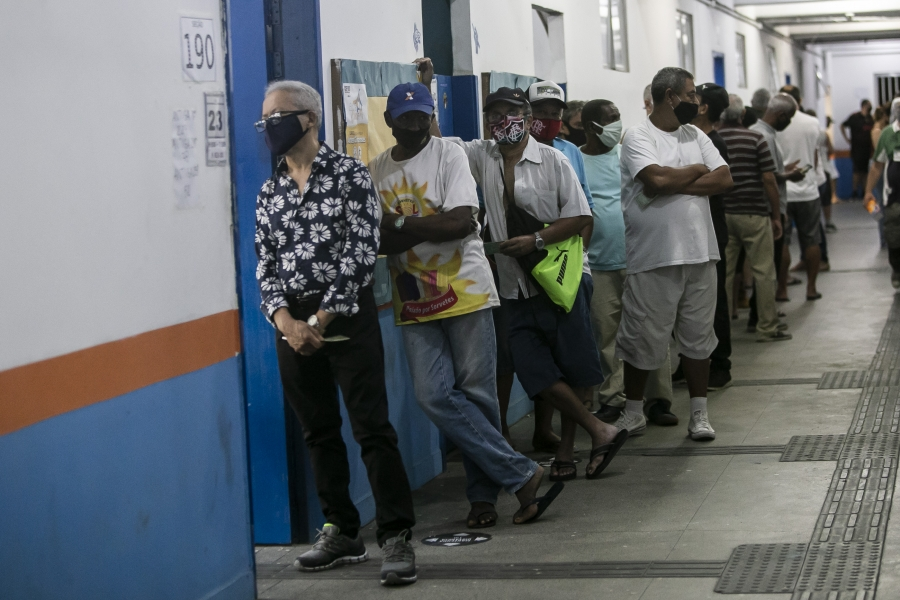 A group of voters in line.