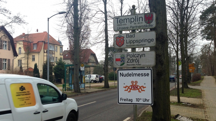 """The legal fight over the signs for """"Noodle Worship"""" in Templin is not over yet."""