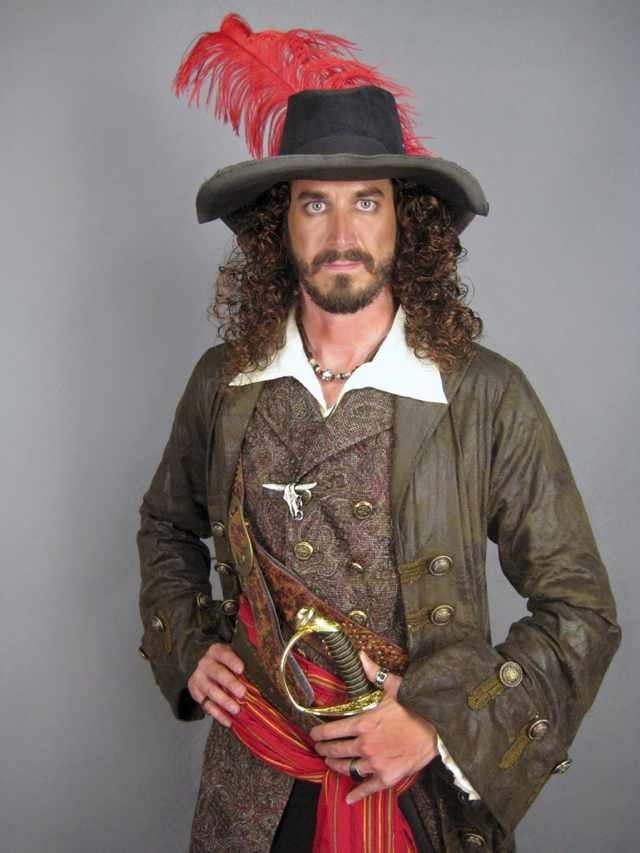 Steven Weathers playing a pirate in a Chinese commercial.