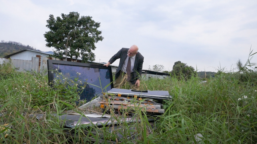A tracking device planted in a computer dropped off at a Dell Reconnect location led Puckett here, an abandoned field strewn with LCD monitors, CRT monitors, camcorders and keyboards.