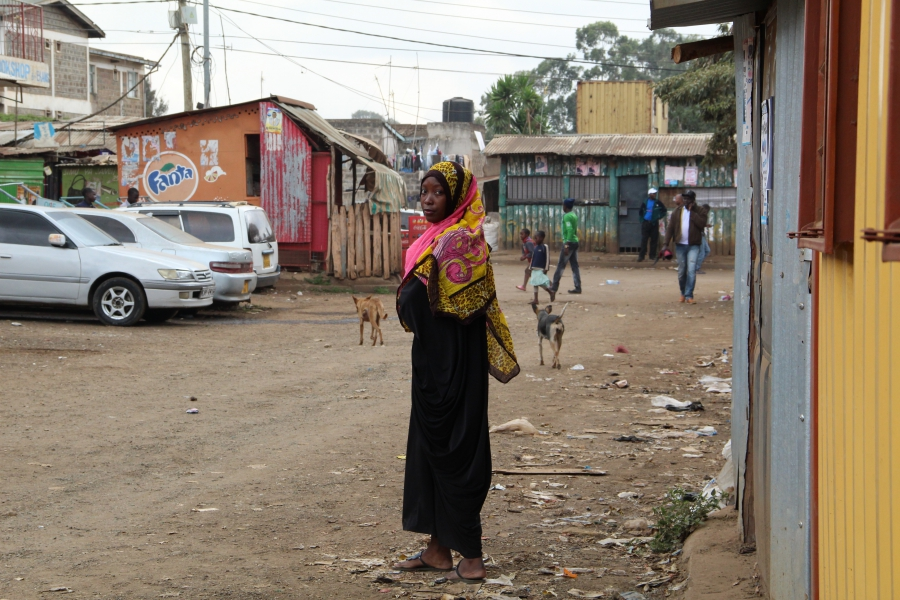 Salma took off her headscarf to go undercover to a meeting held by a politician from a rival tribe in her community.