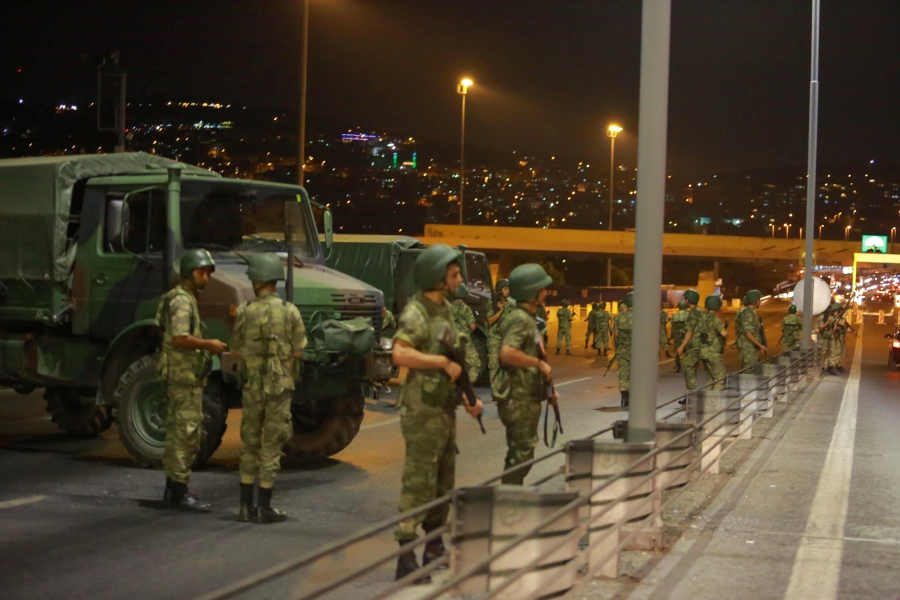 Turkish military block access to the Bosphorus bridge