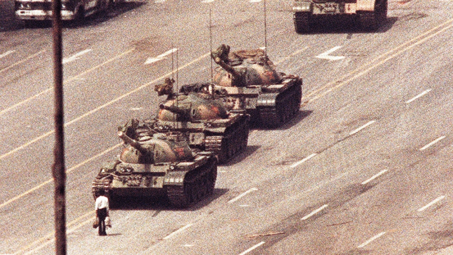 How China Has Censored Words Relating To The Tiananmen Square Anniversary But as far as i can remember, back in 2009 when google was still not banned by the chinese authorities, if you search 六四事件 or 天安门事件 (june 4th/tiananmen square massacre/tankman), your inte. how china has censored words relating