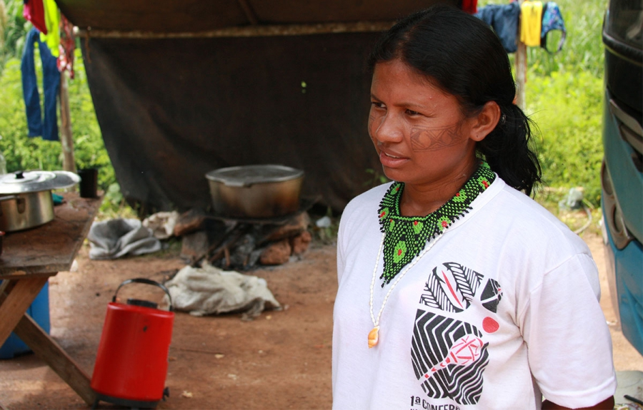 Indigenous leader Bel Juruna helped organize a take-over of worker buses to garner attention for their demands.