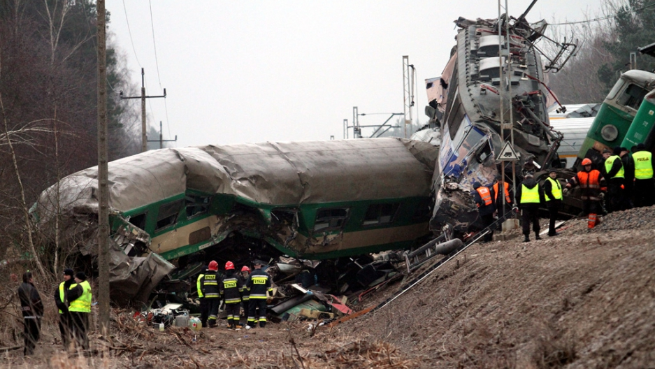 Death toll climbing as Polish trains collide head-on (VIDEO