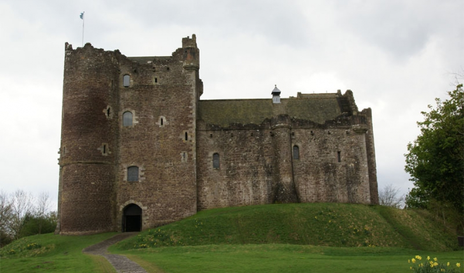 The main entrance to Castle Doune