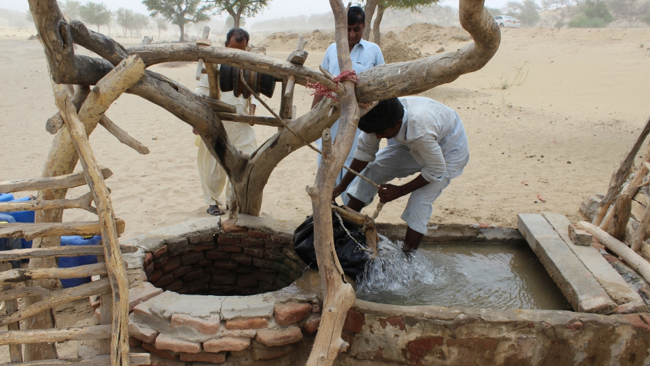Retrieving Well Water In Sindh, Pakistan