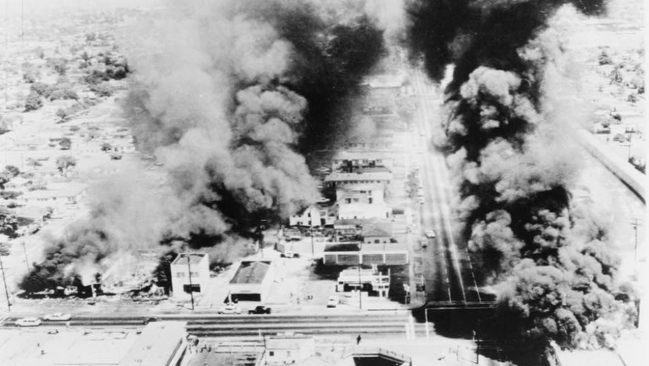 Watts riot burning buildings