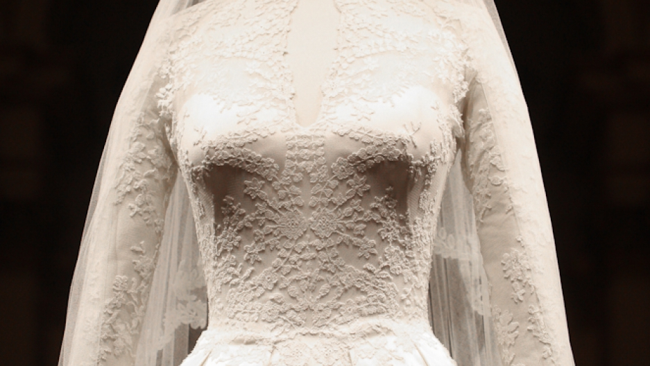 Alexander Mcqueen S Designer Sarah Burton Created The Ss Of Cambridge Wedding Dress Which Is Now On Display At Buckingham Palace Until October