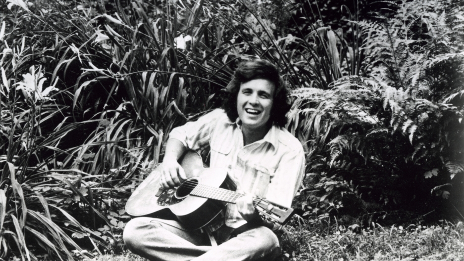 Don McLean poses for a promotional photo in 1971.