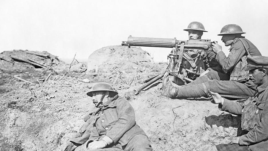 BritishVickers machine gun crew hold their guns.