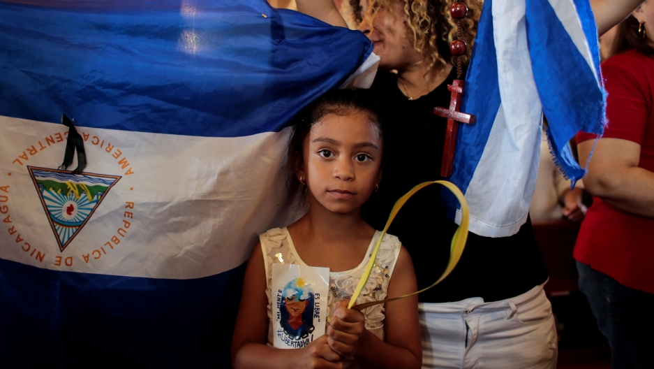 child protesting in nicaragua