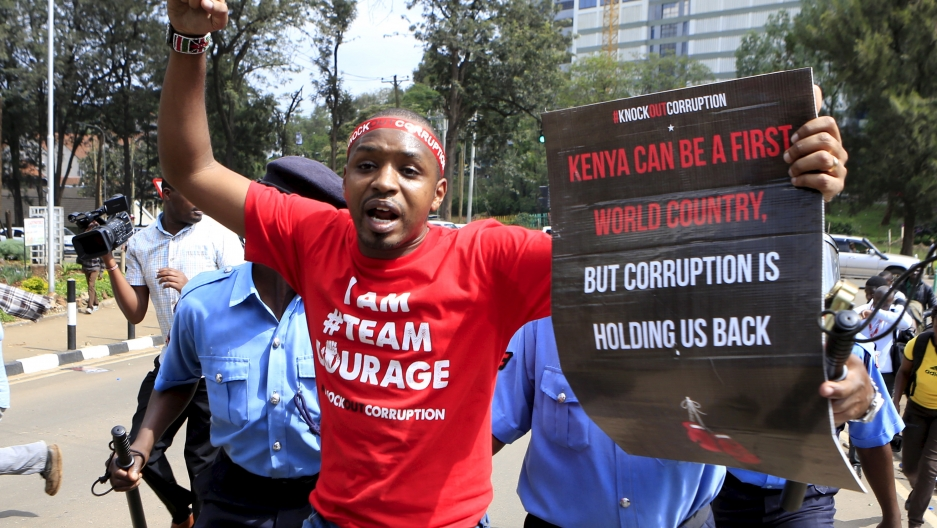 Kenyan activist Boniface Mwangi says his country's politicians must heal the country's ethnic divide.