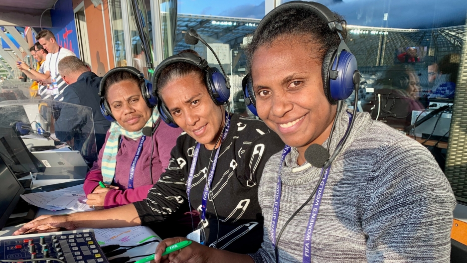 Adele Willie, Lavenia Yalovi and Jennesa Hinge Moli are female sports commentators from the Pacific Islands.