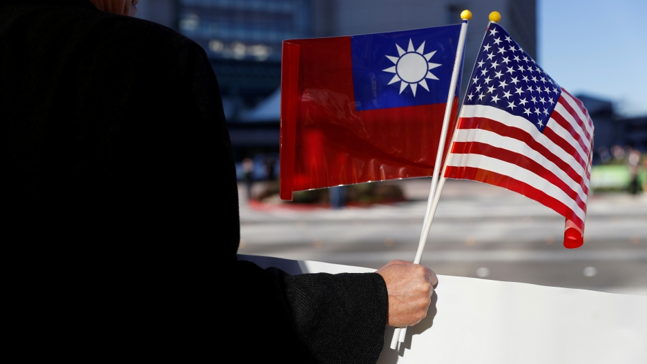 taiwanese and US flags together